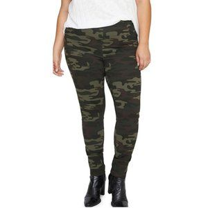Sanctuary Grease Pull On Legging Pants in Camo